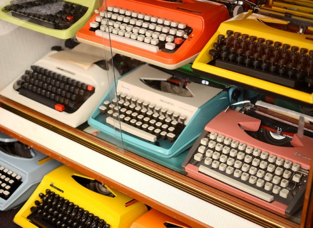 vintage-type-writer-typewriter-collection-michelle-collector-2-630x459